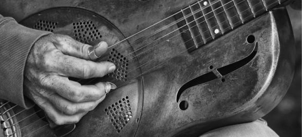 Guitar player detail