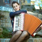 Pascuala Ilabaca homenajea a Violeta Parra